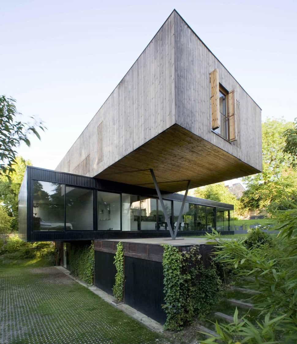 Contemporary cantilever house design by paris architects for Mansion architecture designs