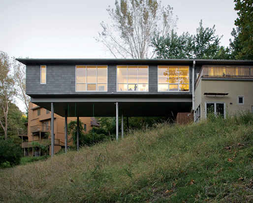 cantilevered house for life of play 1 Cantilevered House for a Life of Play!