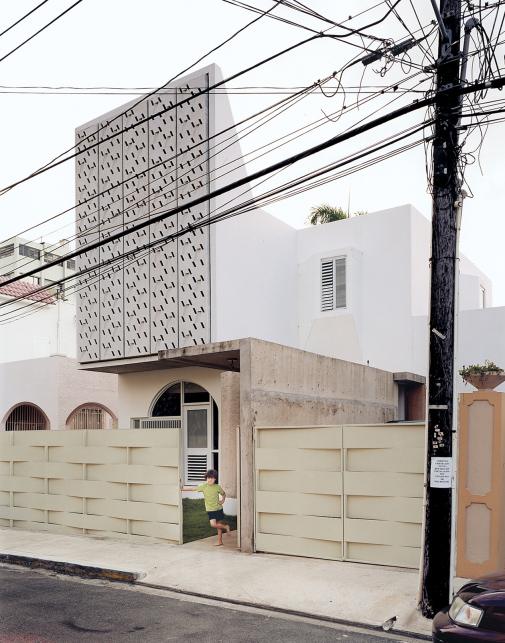 casa delpin 1 Puerto Rico Architecture    Authentic Remake of a Modern Puerto Rican Residence