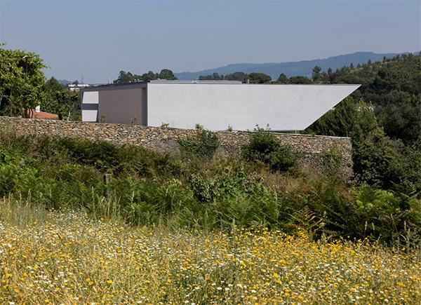 casa em lousado 6 Modern Farmhouse Design in Portugal   where urban meets rural
