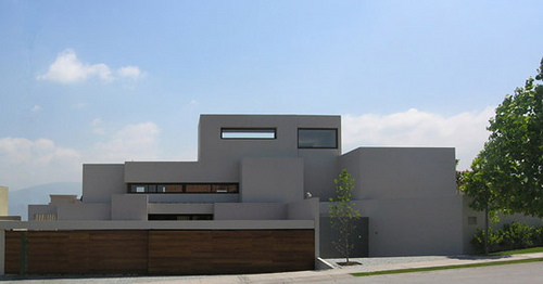 Modern Minimalist House By Contemporary Chilean Architect Gonzalo