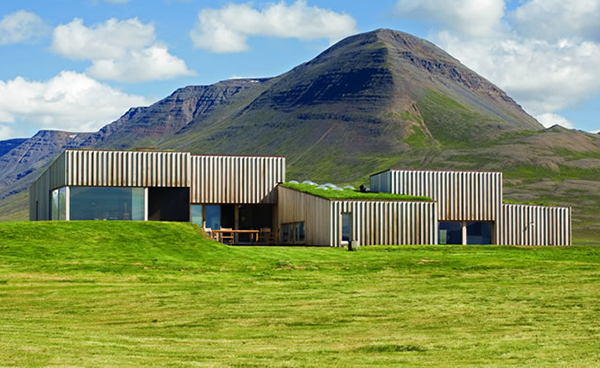 Sustainable House In Iceland Grass Topped House At The