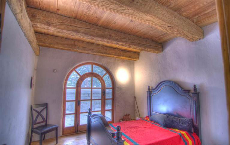 View in gallery charming-euro-home-extreme-chalet-chic-12.jpg