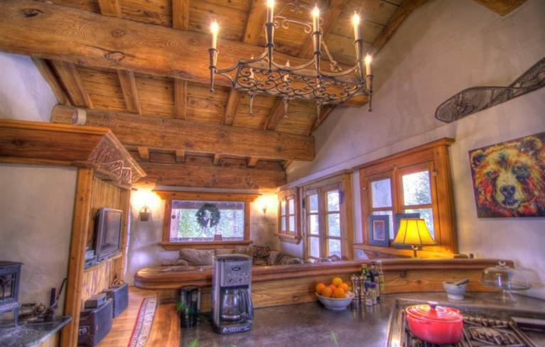 View in gallery charming-euro-home-extreme-chalet-chic-6.jpg