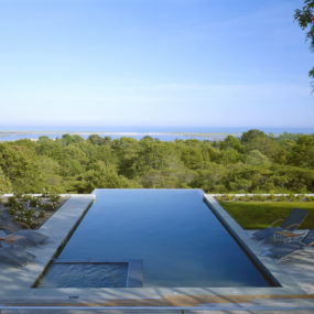 Modern Cottage in Martha's Vineyard – pool + lake + ocean