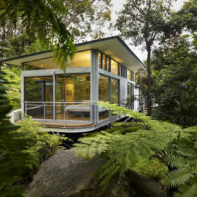 Glass and Steel House Architecture – Contemporary Design in Sydney, Australia