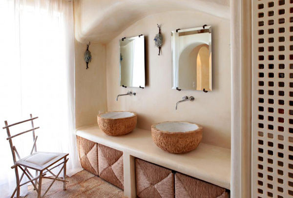 Classic greek home boasts integrated architectural style for Greek style bathroom design