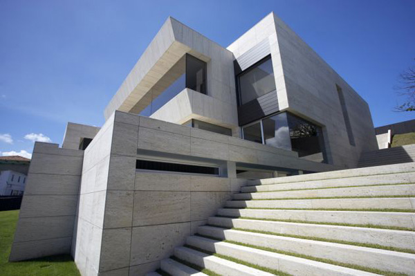 Cliff House Design in Galicia, Spain