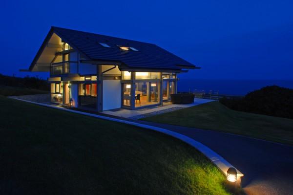 coastal-cottage-home-lovely-waterfront-retreat-uk-11.jpg