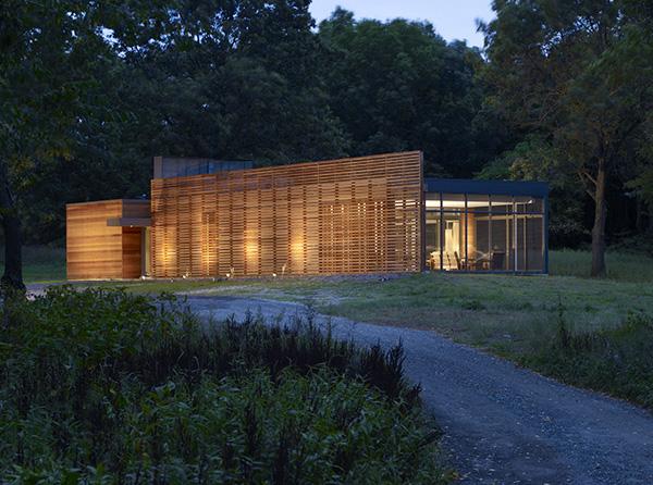 coffou house 1 Luxury Custom Cottage by Renown Brininstool + Lynch Architects   Coffou on Lake Michigan
