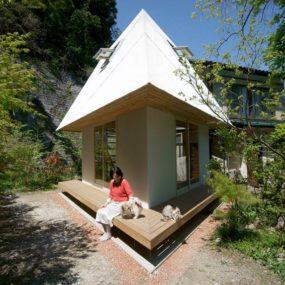 Compact Diamond-Shaped House Plan By Yuji Tanabe