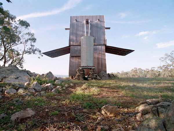 compact-house-in-australian-outback-3.jpg