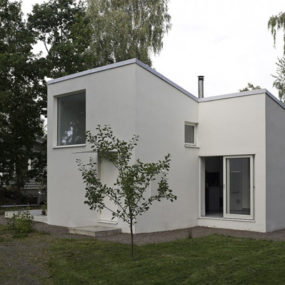 Compact Mini Home by Dinell Johansson