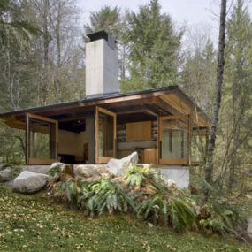 Compact River Cabin Design in Washington