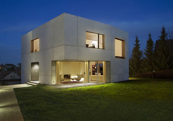 Concrete home designs minimalist in germany for Minimalist concrete house