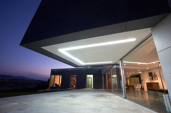 concrete house 12 Modern Contemporary Architecture in Spain   concrete, glass and wood
