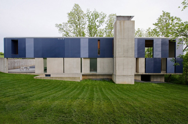 concrete house modern industrial 3 Cement Home Design Goes Modern Industrial Chic