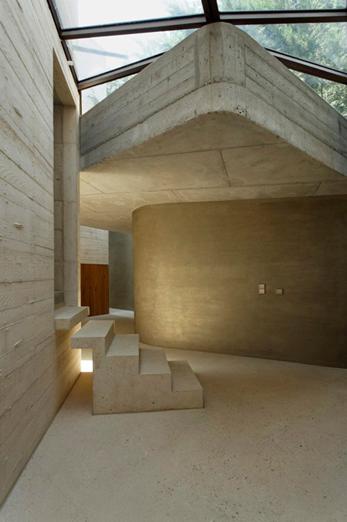 concrete tower house minimalist living 2 Concrete Tower House: Minimalist Living, Warm Aesthetic