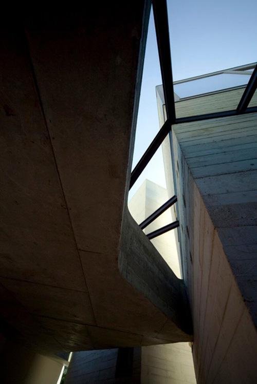 concrete tower house minimalist living 6