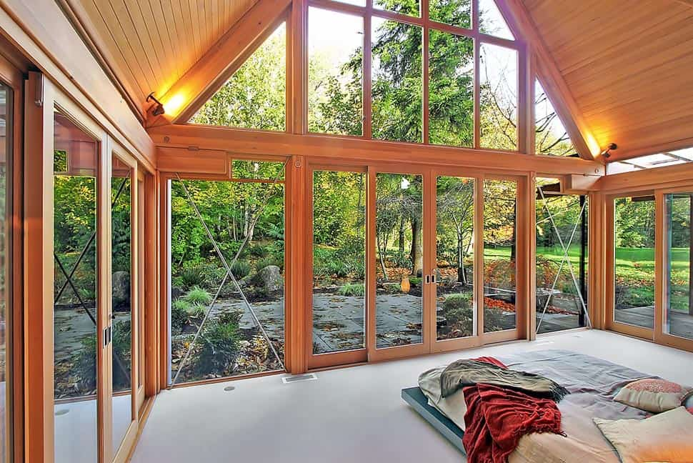 Cabin chic mountain home of glass and wood for Mountain modern bedroom