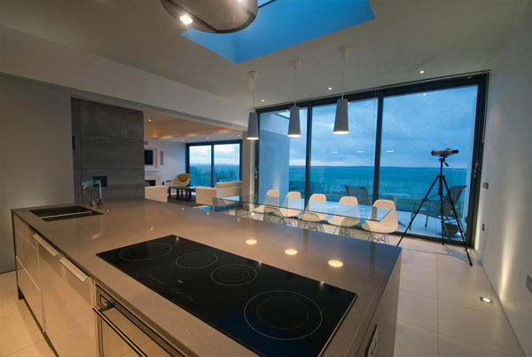 contemporary-coastal-architecture-lighthouse-2.jpg