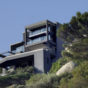 Sloping Lot Home Design in South Africa