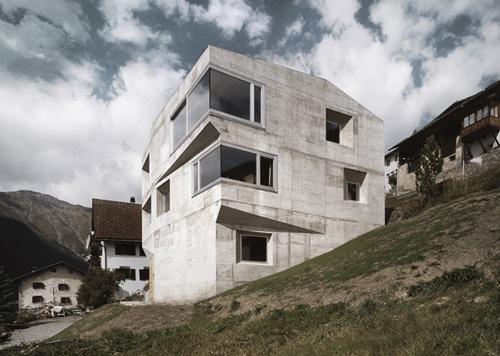 Contemporary Concrete Home in Berlin