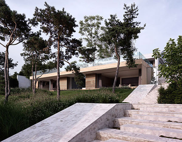 contemporary concrete house two verandas no windows 1 Contemporary concrete house with two verandas and no windows