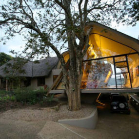 Contemporary Home Extensions by Elmo Swart Architects