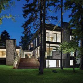 Contemporary House Architecture – Ravine House in Urban Canada