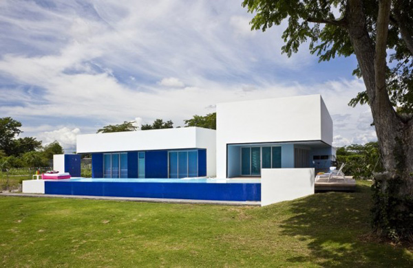 contemporary pool houses true blue modern home 1 Contemporary Pool Houses – True Blue Home