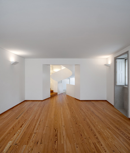 contemporary-portuguese-architecture-spiral-staircase-6.jpg