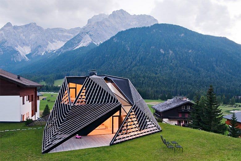 Contemporary Renovation of a Mountain Residence by Plasma Studio