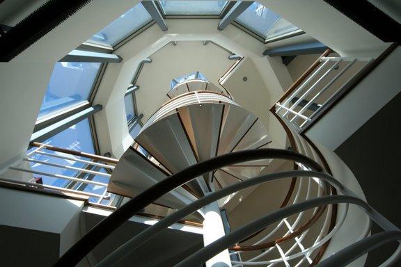 contermporary glass house 3