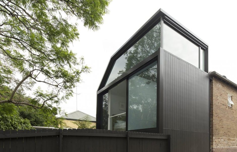 Cool glass extension gives traditional home a modern edge