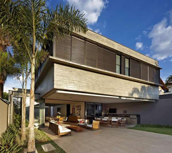 courtyard living architecture brazil 1 Courtyard Living Architecture in Brazil