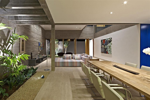 courtyard-living-architecture-brazil-6.jpg
