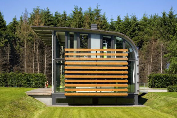 Curved Steel Roof Home By Dutch Architects