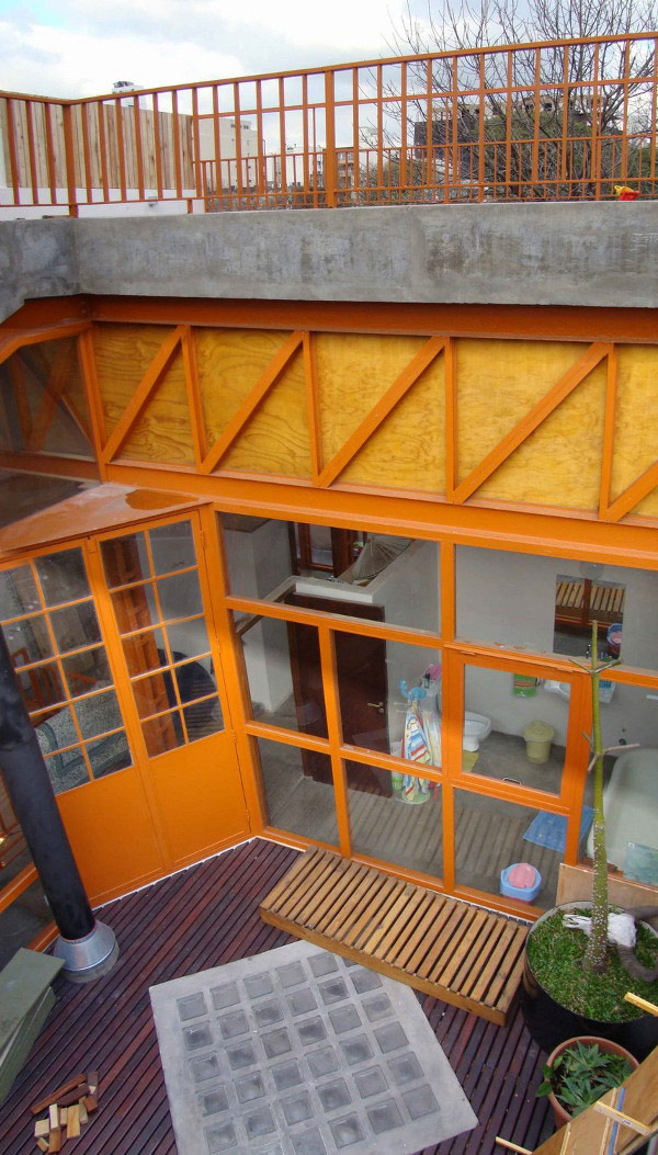 demolition house 1 Eco Friendly House Renovation Makes Recycled House: trash turned treasure