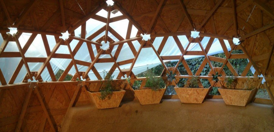 DIY Wooden Dome Built From Pallets