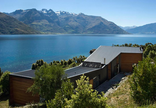 drift bay house 2 Industrial Style House in New Zealand   Modern Elegance