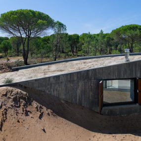 Portugal Architect Takes Charge – build your own dunes!