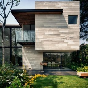 Earthy and elegant house in Mexico: Wood, Water, Wow!