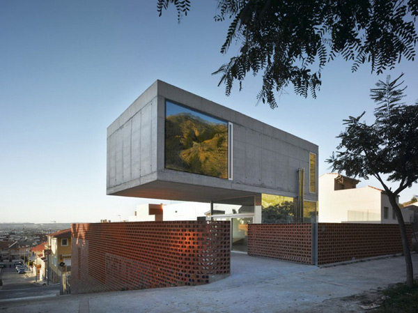 Eclectic House Design Concrete Steel Mirror 1 Cantilevered Concrete House  Eclectic Design With Mirrors