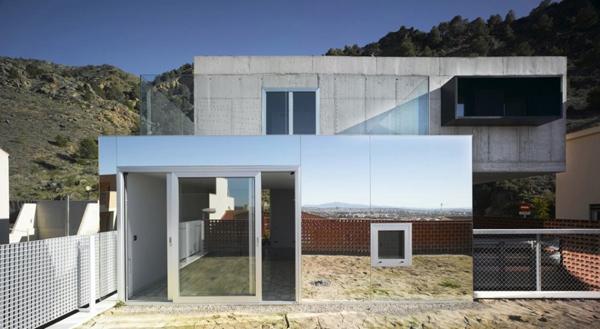 eclectic-house-design-concrete-steel-mirror-4.jpg