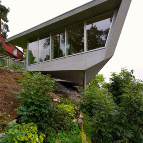 "Cliff Home Plan – ""Edgy"" in Norway"