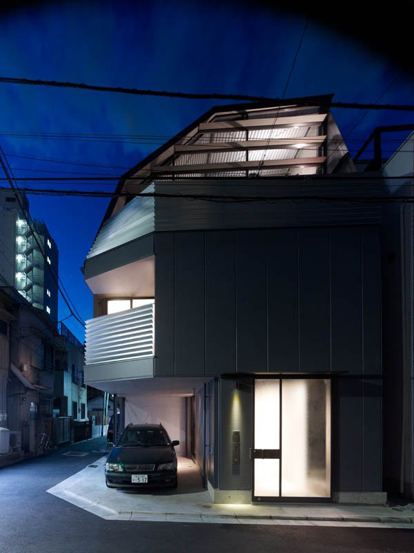Tiny Home Designs: Efficient Small House In Tokyo