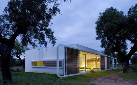espejo house 1 Modern Twist on Simple Box House in Spain   Thinking Outside the Box