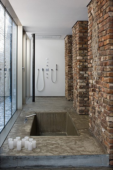 exposed brick house aabe 21