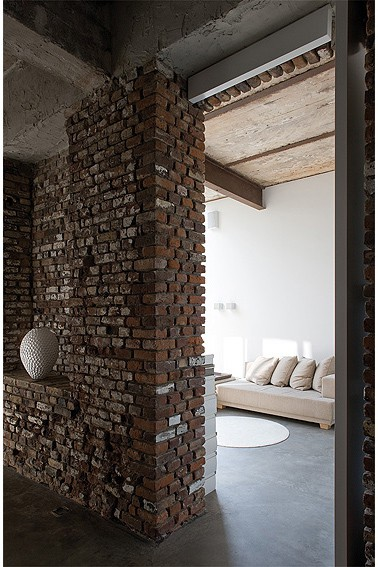 exposed brick house aabe 31